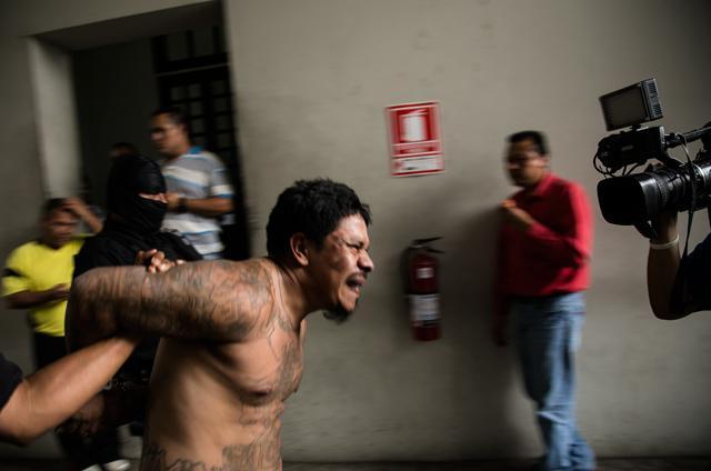 Foto de archivo:Adalberto Méndez Vásquez, 29 años, capturado el 15 de abril de 2015, acusado del homicidio de un agente de la PNC en Santa Ana. Foto: Fred Ramos